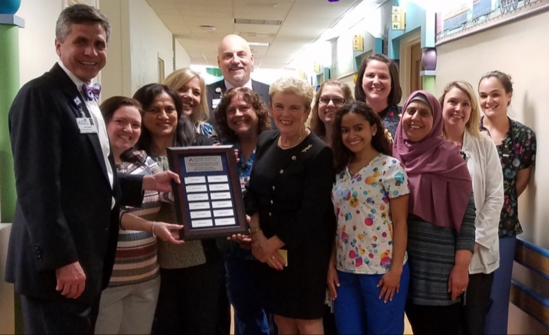 Shady Grove CPNs presented with plaque from SGMC President and their CNO